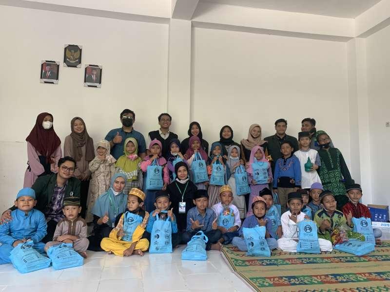GENTAR-Gerakan-Yatim-Pintar-Bersama-Anak-Yatim-SD-Anugrah-Surabaya1634112520.jpeg