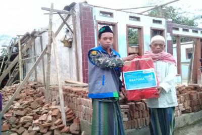 Berbagi-Kebahagiaan-Bersama-Korban-Gempa-Kampung-Quran-Malang1621657059.jpeg