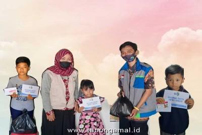 LAZIS-NF-bersama-PENSOSMAS-Jatim-Berbagi-sembako-dan-Paket-Internet-untuk-Santri-Yatim-di-Surabaya1601431071.jpg