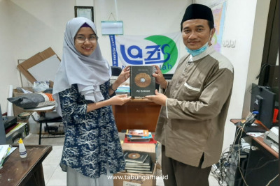 Tebar-Al-Quran-untuk-Hamilul-Quran-Mojokerto1607411319.jpg